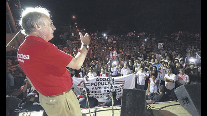 """Insiste. Barnechea reitera mensaje de la """"reconquista del Perú por los peruanos"""""""