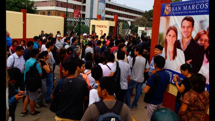 Una gran cantidad de estudiantes ha comenzado a ingresar al campus para retomar sus clases