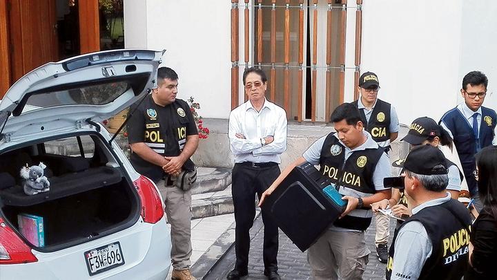 El fiscal Pérez reveló ayer nuevos detalles sobre el allanamiento a la casa de Jaime Yoshiyama, como el hallazgo de una CPU de hace más de una década.