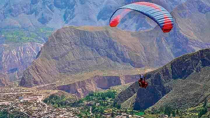 Sin viento.  En las montañas de Cotahuasi se pueden practicar el parapente; sin embargo, pobladores y autoridades desconocen la importancia de deportes extremos.