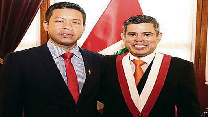 Dúo. Luis Galarreta y su técnico Juan Montálván Véliz.