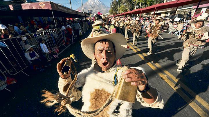 GANADOR. Danzantes de Yanaquihua (Condesuyos), los mejores en la categoría de la sierra.