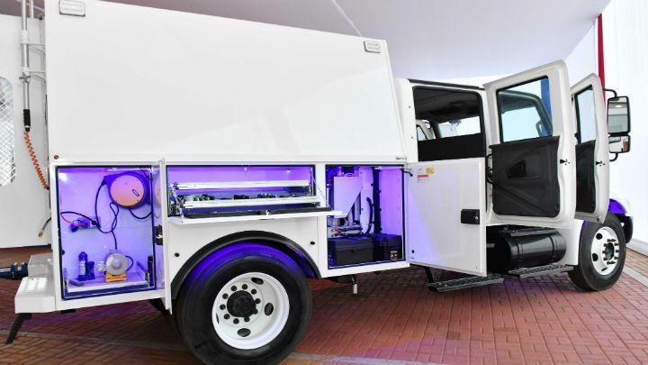 Los camiones especializados, valorizados en $700,000, facilitan la inspección de vehículos.