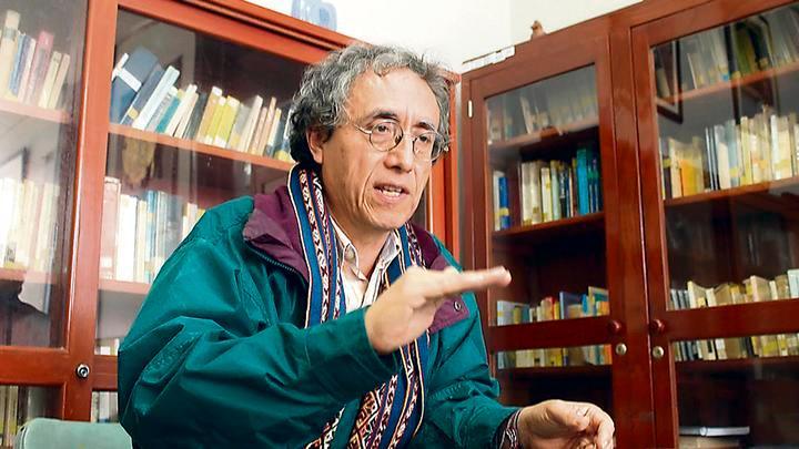 Docente. Jefe de la comisión organizadora Zenón Depaz.