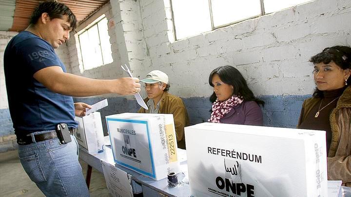 El Ejecutivo espera que el referéndum se realice a más tardar en diciembre.
