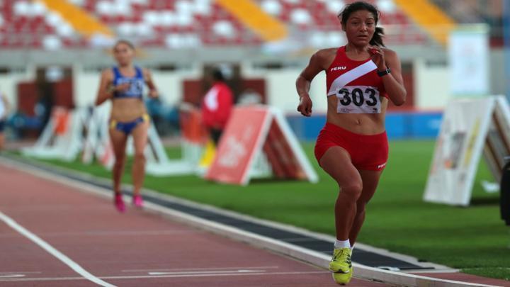 Inés Melchor batiendo el récord sudamericano en la Maratón de Berlín (2014). Fotografía: Archivo La República.
