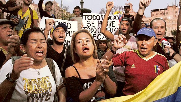 Éxodo. El 11 de agosto se registró una cifra récord: ese día ingresaron al Perú, a través de la frontera con Ecuador, 5.196 venezolanos, informó Migraciones.