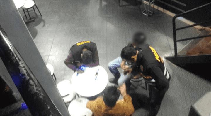 La Policía dispuso llevarlos a la comisaría a la espera de sus padres.