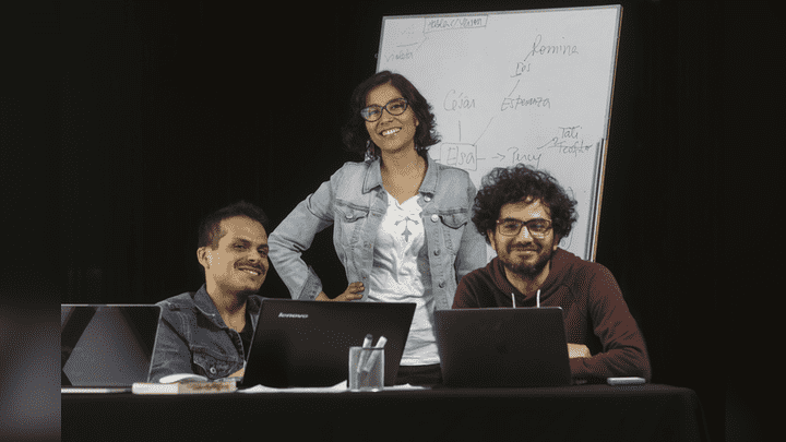 El equipo de guionistas de la telenovela Mi Esperanza.