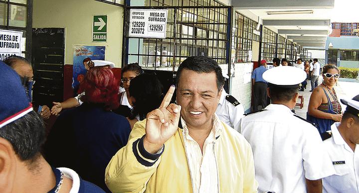Final. Después de 20 años de haber sido autoridad municipal por Chim Pum Callao, Juan Sotomayor, postulante al gobierno regional chalaco por Vamos Perú, fue excluido de elecciones.