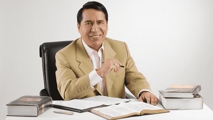 Pastor Alberto Santana de la Iglesia Evangélica 'El Aposento Alto'.