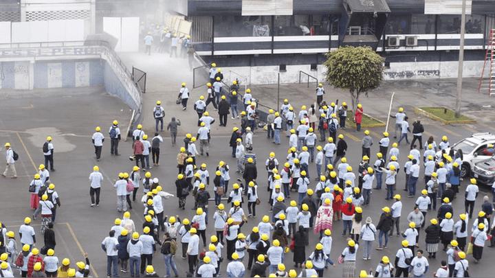 Entrenamientos entre hinchas de Alianza Lima y miembros evangélicos.