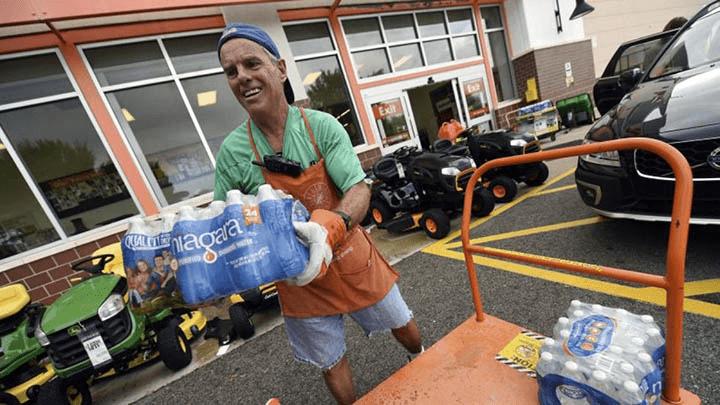 Huracán Florence fue declarado de categoría cuatro y es uno de los más feroces que llegará a Estados Unidos.