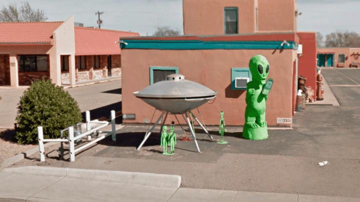 Al parece, la plataforma habría captado a una 'familia' de extraterrestre en la localidad de Roswell. Foto: Google Maps