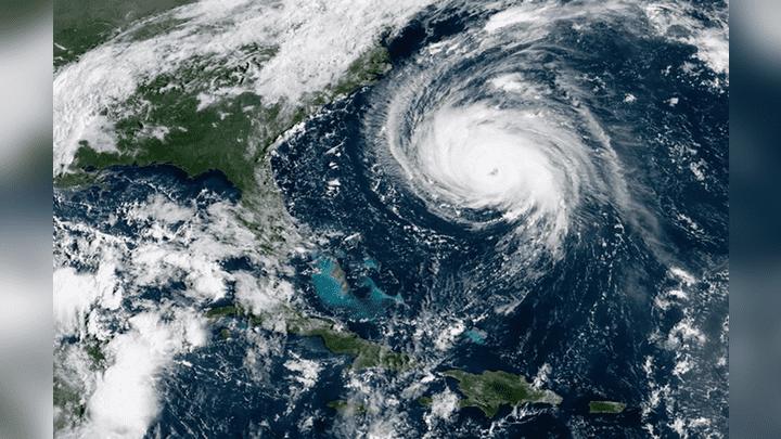 Según los últimos reportes del Centro Nacional de Huracanes (NHC, por sus siglas en inglés), Florence bajó a categoría tres.