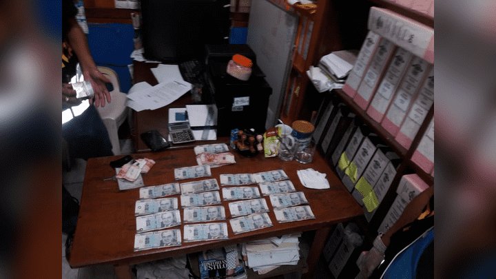 Billetes encontrados al funcionario municipal