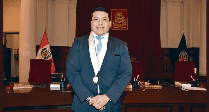 Juez. Galileo Galilei Mendoza Calderón es actualmente juez titular de Huaura-Huacho.