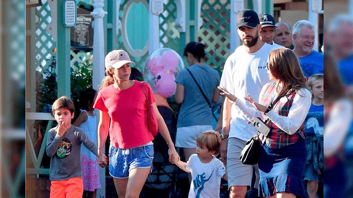 Shakira lució como una turista más. Foto: The Grosby Group