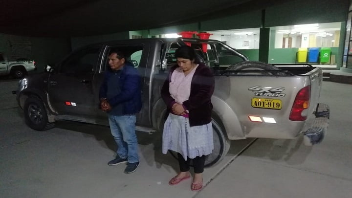 Pareja llevaba la droga oculta en una camioneta Toyota