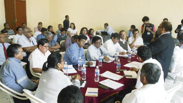 Importante. En reunión interinstitucional se demandó convocar la presencia del mandatario Martín Vizcarra para tratar de solucionar problemática.