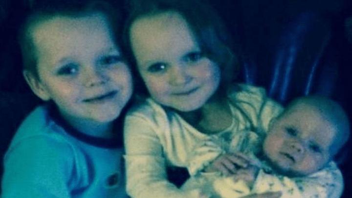 Cuatro hijos de Michelle Pearson fallecieron en el voraz incendio provocado por los jóvenes delincuentes Zak Bolland y David Worrall.