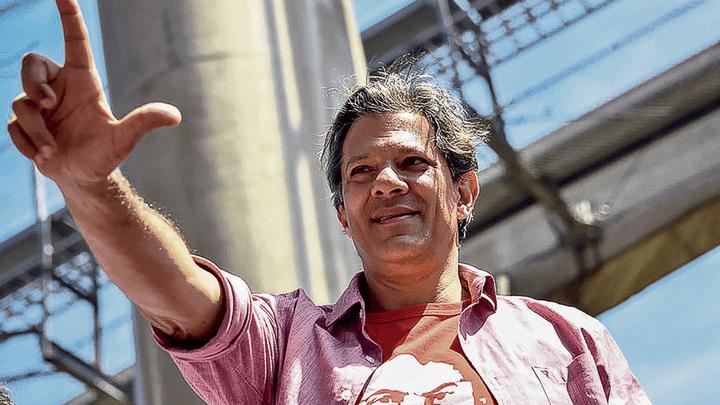 """El """"Delfín"""" de Lula. El principal capital electoral de Fernando Haddad se lo da Lula, pero también el gran rechazo."""