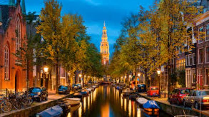 4 Holanda: las horas trabajadas al año por un empleado en esta parte del mundo era de 1.430, lo que es igual a 27,5 horas laboradas en la