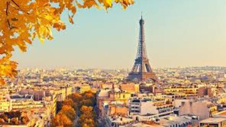 5 En Francia, la cantidad de horas laboradas al año por un empleado es más o menos de 1.472, según la OCDE. A la semana podrían laborarse unas 28,3 horas.