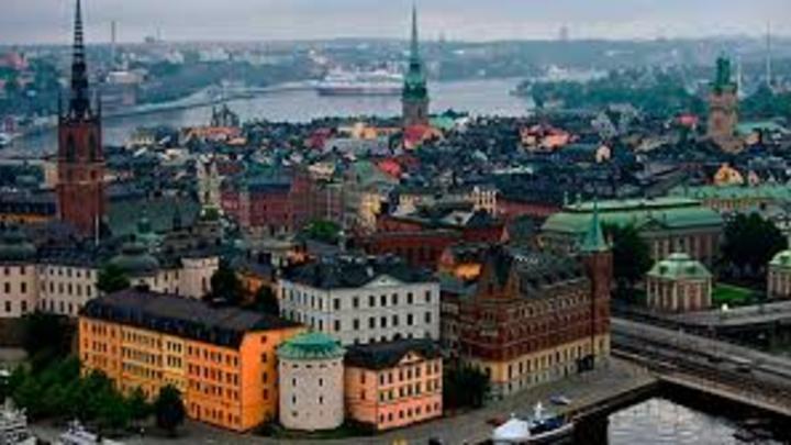 9 Finlandia: Se trabaja en promedio de 1.653 horas, lo que en una semana se ve reflejado en 31 horas.