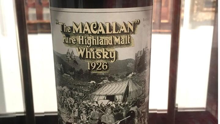Este whisky se produjo en Craigellachie, en el norte de Escocia. Solo se hicieron 40 botellas The Macallan cosecha 1926. AFP